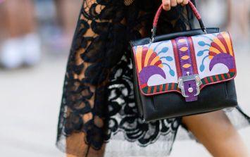 7 beauty essentials you should always keep in your handbag