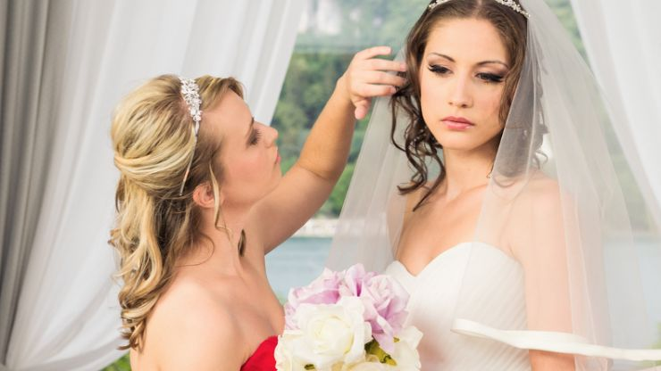 This maid of honour upstaged her bride in the most hilarious way