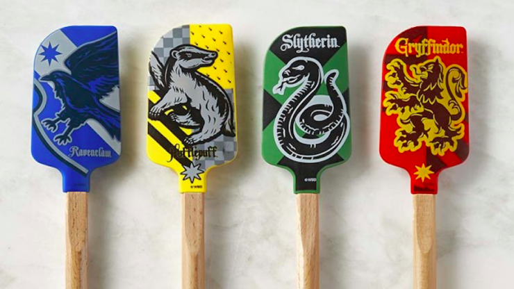 We need this entire Harry Potter cooking collection and we need it now
