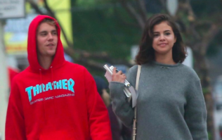 Justin and Selena have been spotted kissing proving they are BACK ON