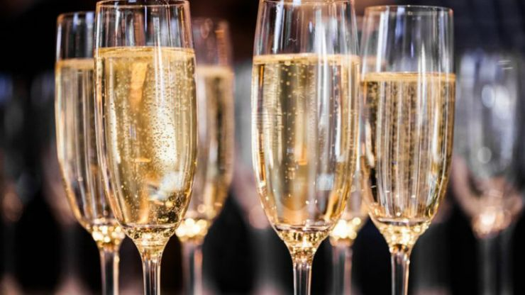 A London supermarket is launching a FREE prosecco pop-up and we're there