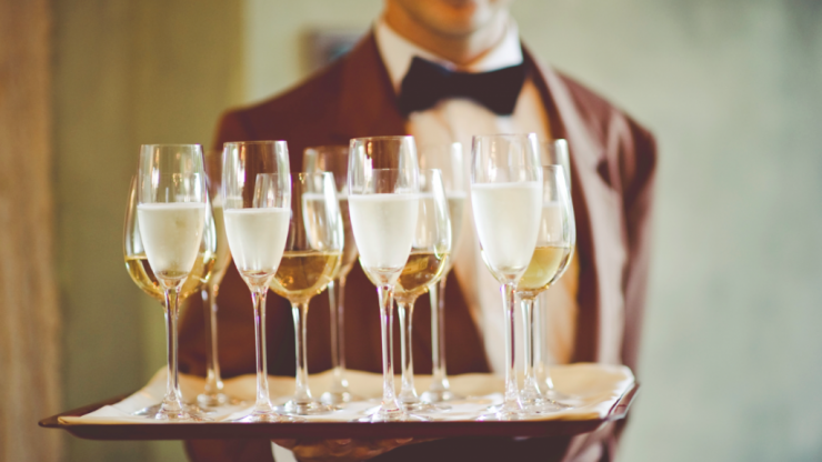 Pouring prosecco wrong could waste you BOTTLES this season