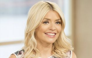 Holly Willoughby's FAB Topshop skirt will give you the ultimate hourglass figure