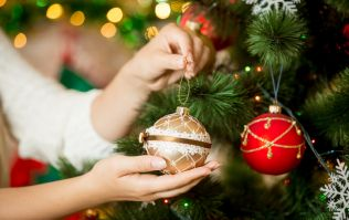 People who put up Christmas decorations up early are happier, study says