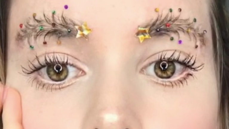 Christmas tree brows are now a thing and we're pretty into it