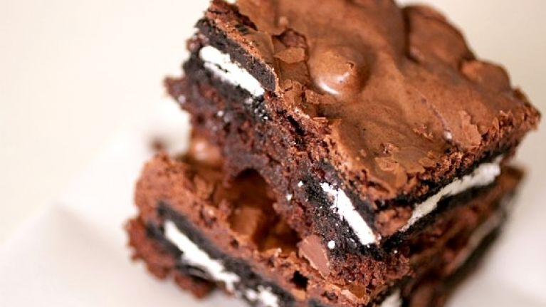 These Oreo-stuffed brownies are all we need in life right now
