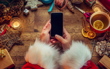 The 9 eternal struggles of using Tinder during the holiday season