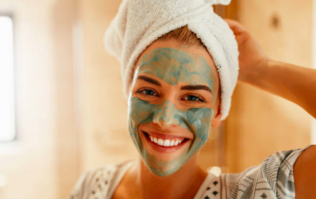 The one mistake we're all making when using a face mask