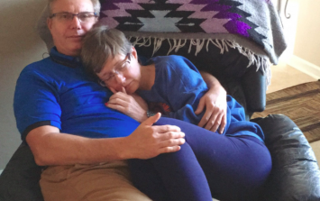 Viral photo of a woman with onset dementia tells a heart-wrenching story