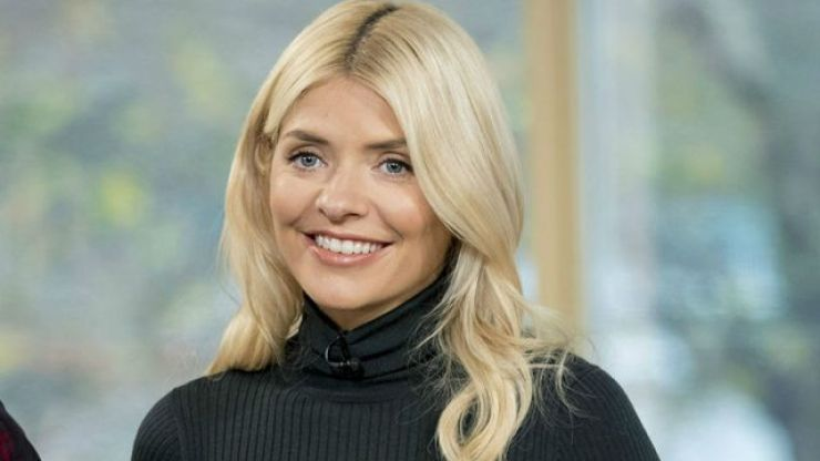 Holly Willoughby just wore the cutest little €49 tartan dress from Oasis