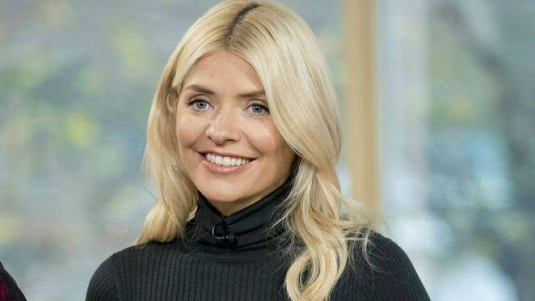 Holly Willoughby wore the most beautiful yellow dress this morning, and we're in love