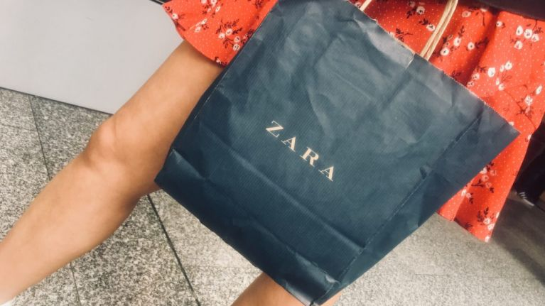 This FAB €50 Zara dress is the perfect choice for a summer wedding