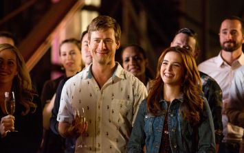 Here's why you should be watching Netflix's new rom-com Set It Up