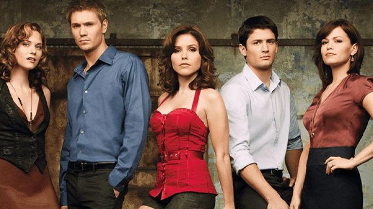 The one tree hill cast reunited for a mystery project and fans are the one tree hill cast reunited for a mystery project and fans are freaking thecheapjerseys Choice Image