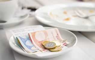 How much do you tip when you go to a restaurant or hairdresser?