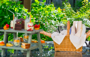 Forget afternoon tea - this GLAM picnic from The Merrion Hotel is calling our names!