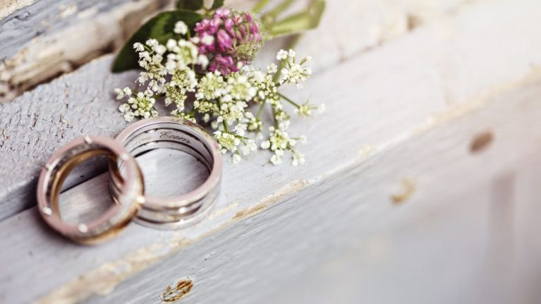 5 things to keep in mind when creating your wedding guest list