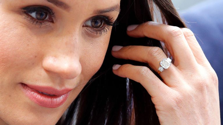 Meghan Markle Wedding Ring.Royal Fans Have Spotted That Meghan Markle S Engagement Ring Has Had