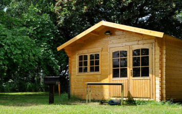 Dublin City Council to allow log cabins in gardens to 'help' with renting crisis