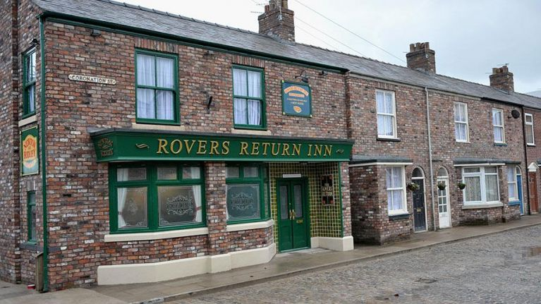 The Corrie theme song changed last night and viewers were seriously confused