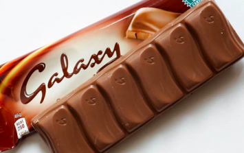 Galaxy has just launched salted caramel biscuits and oh my goodness GIMMIE