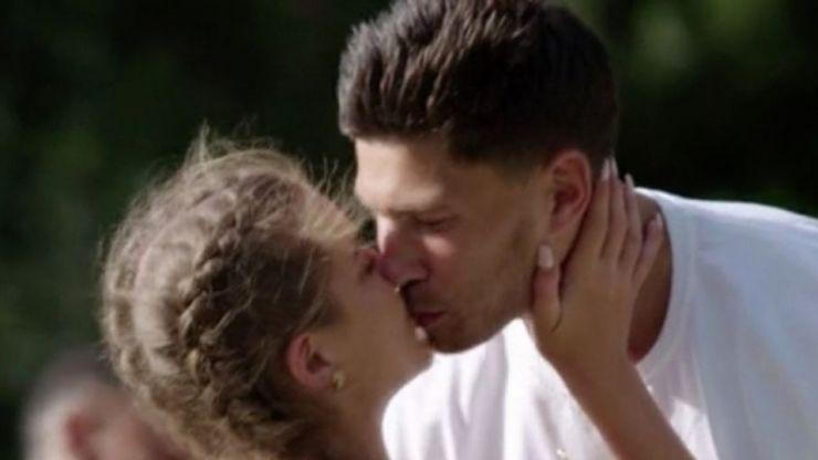 New Love Island footage makes it look like THAT kiss was filmed twice