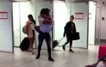 There's videos of Frankie meeting Samira in the airport and they're SO DAMN CUTE