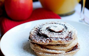 These churro pancakes are exactly what your Sunday morning needs