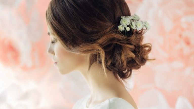 4 alternative bridal headpieces (since not everyone wants to wear a veil)