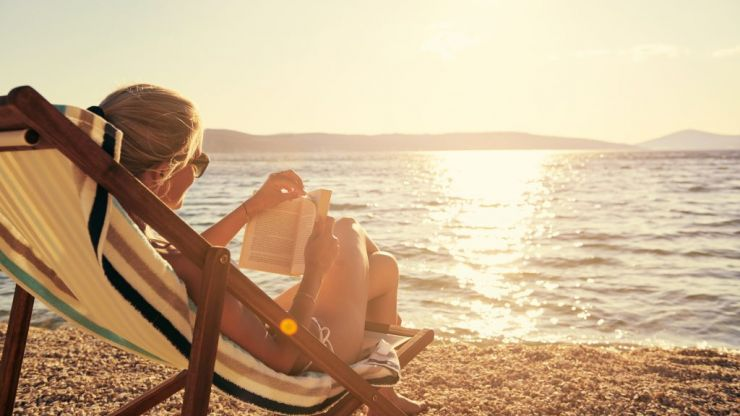 This hack will let you take 10 days off work, using just 4 annual leave days