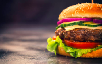 'Serious food poisoning outbreak' presented by beef burgers, warns FSAI