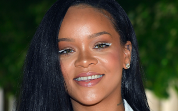 People are very, very worried that Rihanna is bringing back this beauty trend