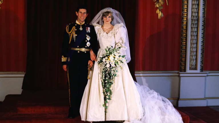 Princess Diana had a second secret wedding dress and it sounded ...