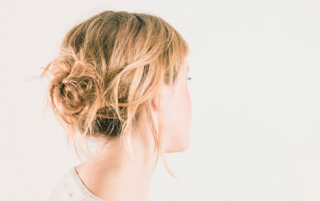 Hairdresser's photo proves why you should never stick a pen in your hair