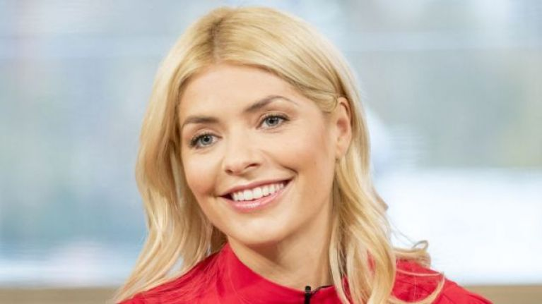 We are absolutely obsessed with the gorgeous dress Holly Willoughby wore this morning