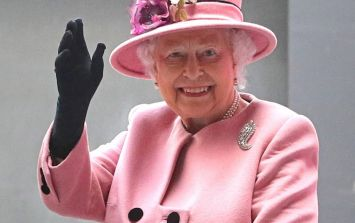 The Queen uses a special machine to wave when her arm gets tired and lol