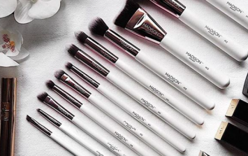 This Irish makeup brand has launched a 12-piece brush set for €40