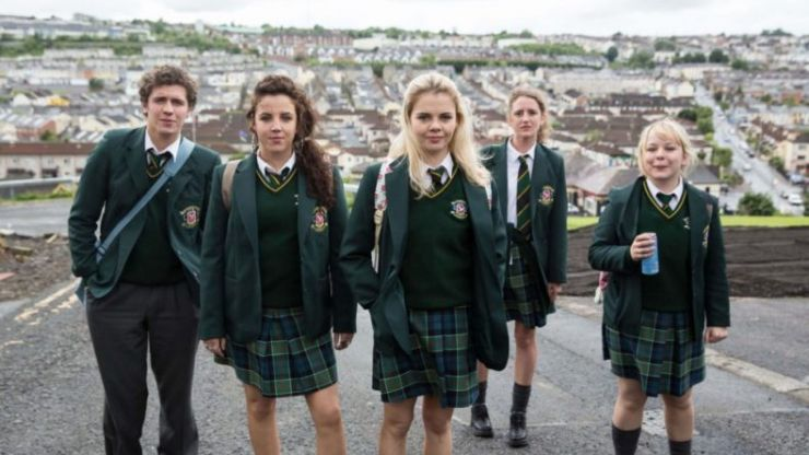 Why Everybody Needs To Start Watching Derry Girls Immediately Her Ie
