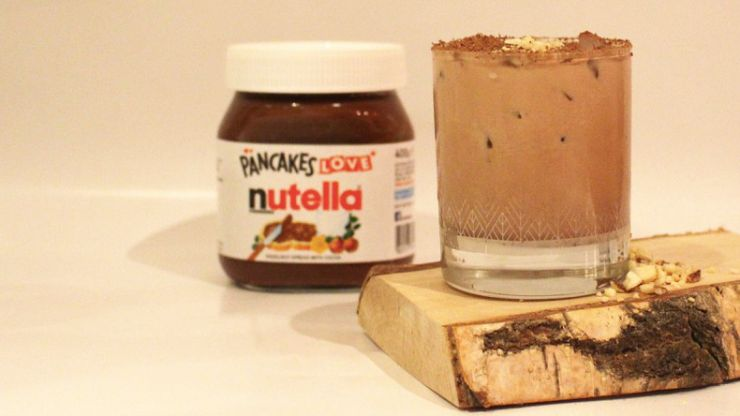 There's a delicious chocolate-y Nutella cocktail and we need to make it ASAP
