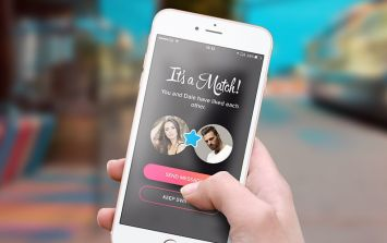 You can now make up to €34 an hour as a professional Tinder coach