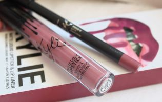 Irish teenager left in A&E after using knock-off Kylie Lip Kit