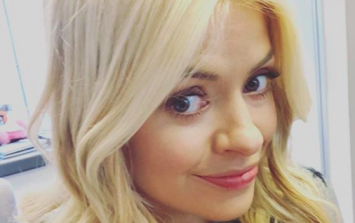 Holly Willoughby is wearing the perfect spring Zara piece today