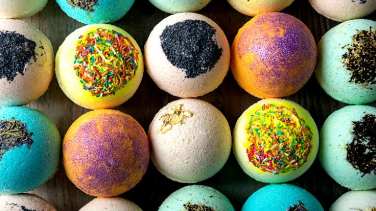 These edible bath bombs turn into a delicious fizzy cocktail (with lots of tequila)