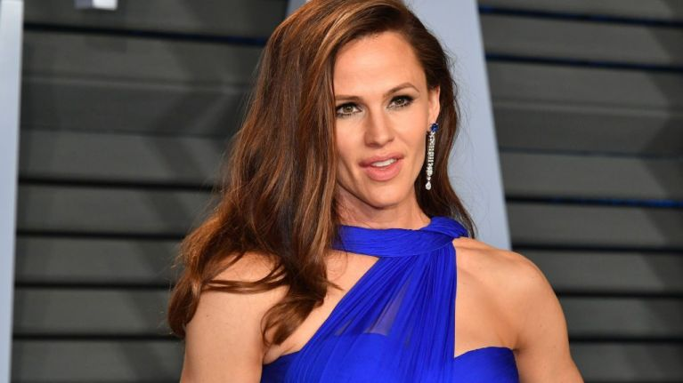 We're all very worried about Jennifer Garner after last night's Oscars