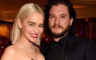 The GOT cast went drinking in Ireland, and every group of mates has the same photo