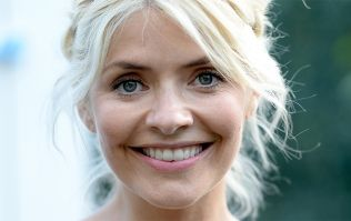 Holly Willoughby stuns in €7 top, but it's her skirt that's taking centre stage