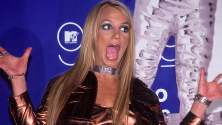 The latest fashion trend is giving us serious Britney 2000 vibes