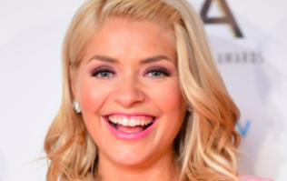 Holly Willoughby is wearing a €170 top today and we're not into it