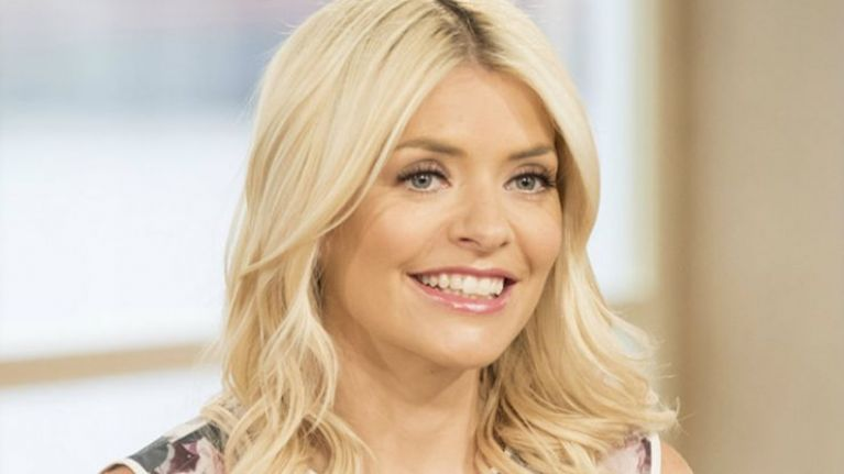 Holly Willoughby is a ray of sunshine in today's look... and we've found dupes