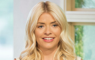 We're all obsessed with Holly Willoughby's high-street denim dress